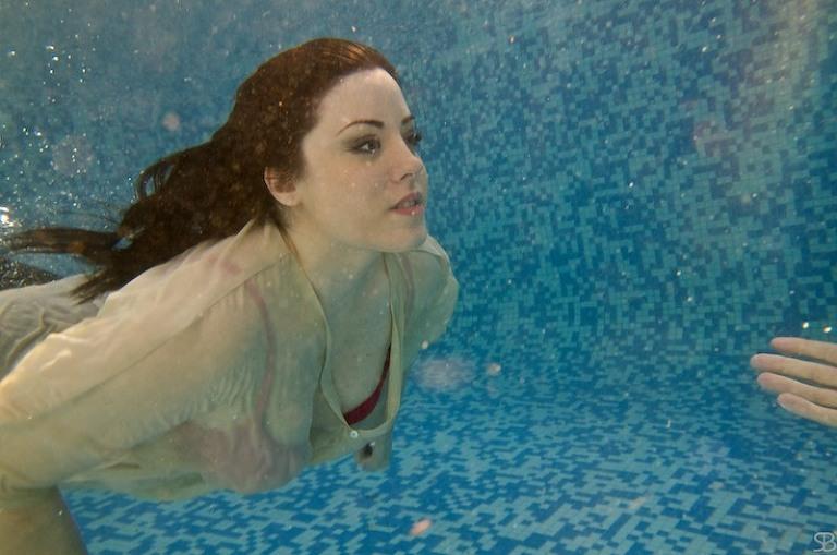 la novia en el agua